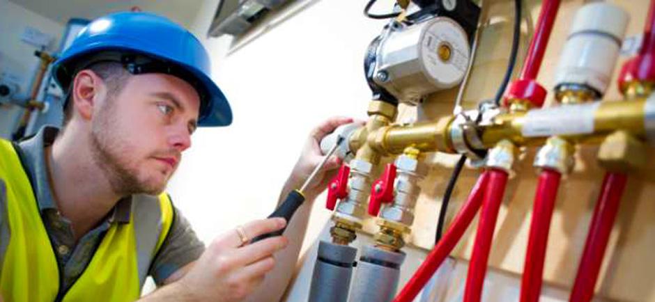 sanitair en verwarmingsprofessionals Europese arbeiders poolse vakman